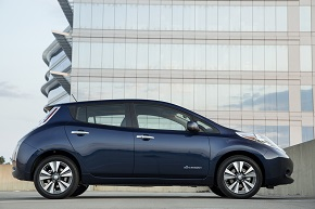 2016_nissan_leaf_03_resized.jpg